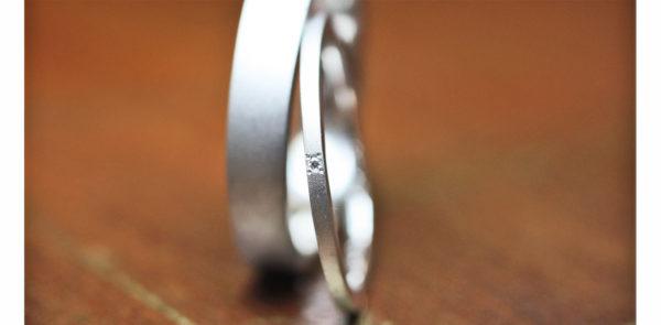 幅の狭い極細の結婚指輪2