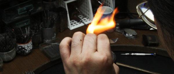 結婚指輪をハンドメイドでつくるオーダーメイド職人 3
