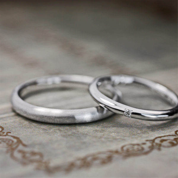カッペリー二のような極細のプラチナのシンプルなオーダーメイド結婚指輪