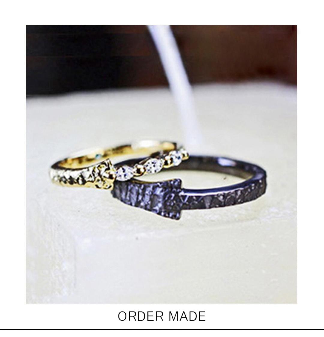 ゴールド&ブラックゴールドの個性的なオーダーメイドの結婚指輪ペアのサムネイル