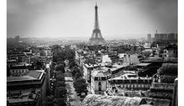 9世紀のパリのに実在したアトリエをベースにしたヨーアンドマーレ