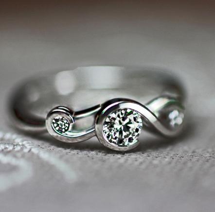 ト音記号デザインのオーダー婚約指輪は千葉 柏の男性