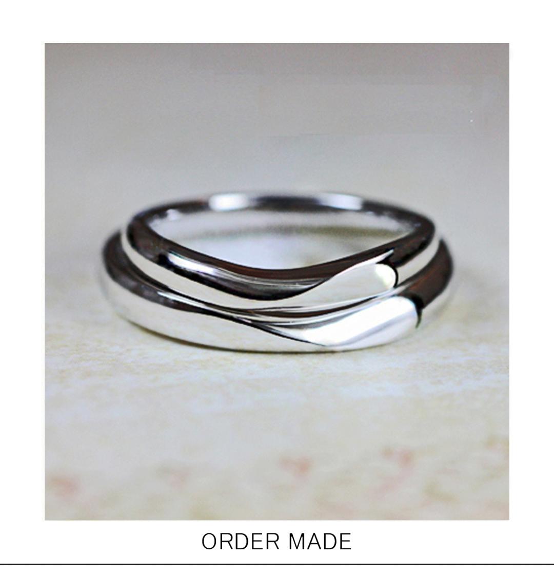 2本重ねてハートの模様をつくるオーダーメイドの結婚指輪作品のサムネイル