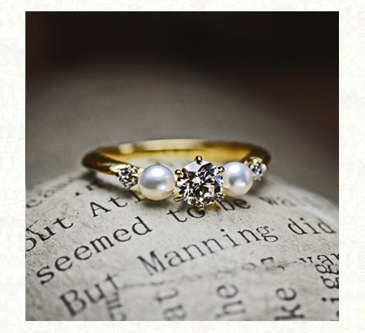 ダイヤモンドと真珠が寄り添う アンティークなゴールド婚約指輪2 千葉・柏 ヨーアンドマーレ