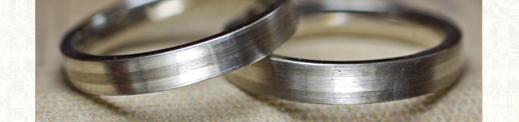 白とグレーのモノトーンデザインの結婚指輪 2|千葉・柏 ヨー&マーレ