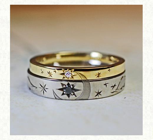 結婚指輪を重ねて月の模様をつくるゴールドリング
