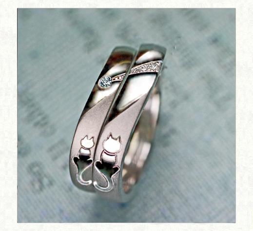 ブルーダイヤの流れ星とネコたちの結婚指輪1|千葉・柏 ヨー&マーレ