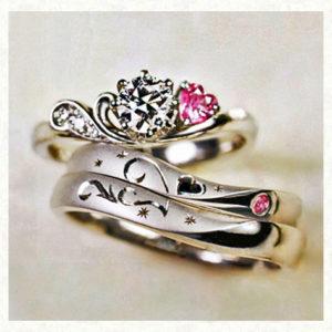 結婚指輪と婚約指輪の3本セットリング・ハートストロベリー
