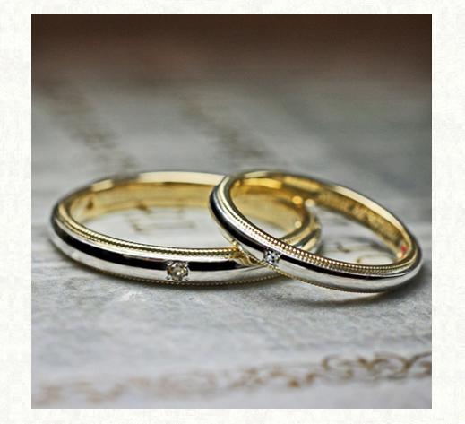 ゴールドのサイドステッチが入ったオーダーメイドの結婚指輪 2