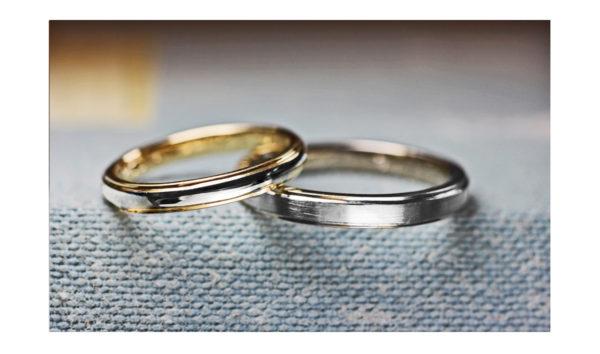 オーダーメイドで二人だけの結婚指輪をつくったカップルとそのリング