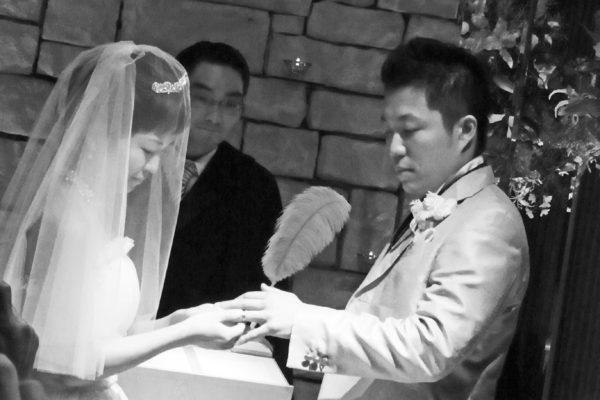 二人の結婚指輪を重ねて世界で一つのマークをつくりました A様・千葉 柏
