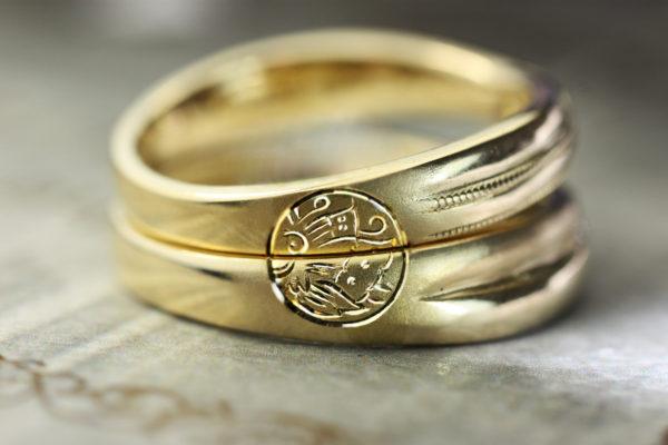 結婚指輪二本を重ねて家紋をつくる指輪 2