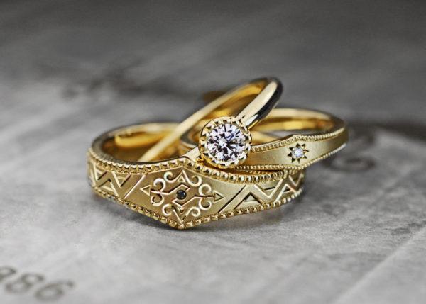 ゴールドのビンテージ系結婚指輪と婚約指輪のオーダー3本セット
