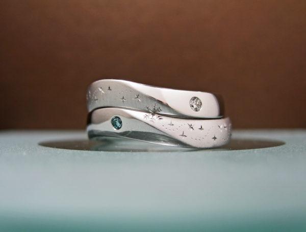 H様が千葉 柏でオーダーメイドした結婚指輪を2本重ねて天の川をつくったウェーブリング