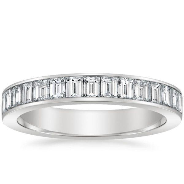バゲットダイヤモンドを使ったリング