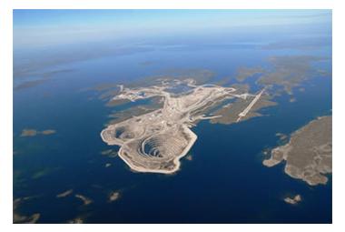 カナダのダイアビィク鉱山