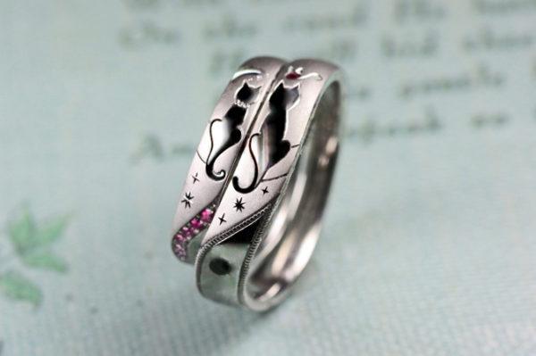 ネコのシルエットを出した結婚指輪のデザイン