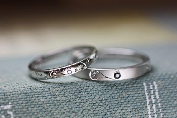 黒ネコと白いネコのカップルリングを結婚指輪にオーダーメイド