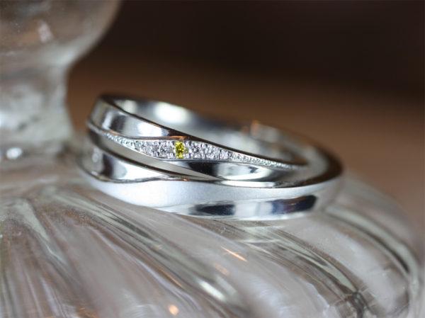 イエローダイヤが大好きな奥さんに結婚指輪を