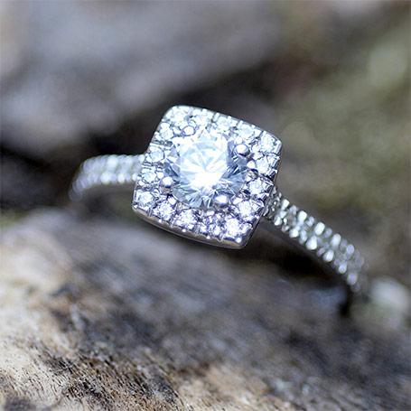 最高品質の婚約指輪をオーダーメイドで作る5つの究極のプロセス!