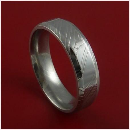 ダマスカス鋼を使ったオーダーメイドの結婚指輪