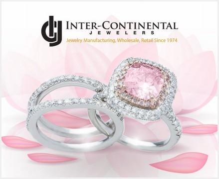 オーダーメイドで作ったピンクダイヤモンドの婚約指輪とセットの結婚指輪