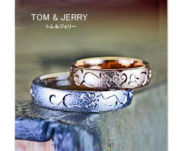 ピンクゴールド&ホワイトゴールドの結婚指輪にネコの模様がはいっているオーダーリング