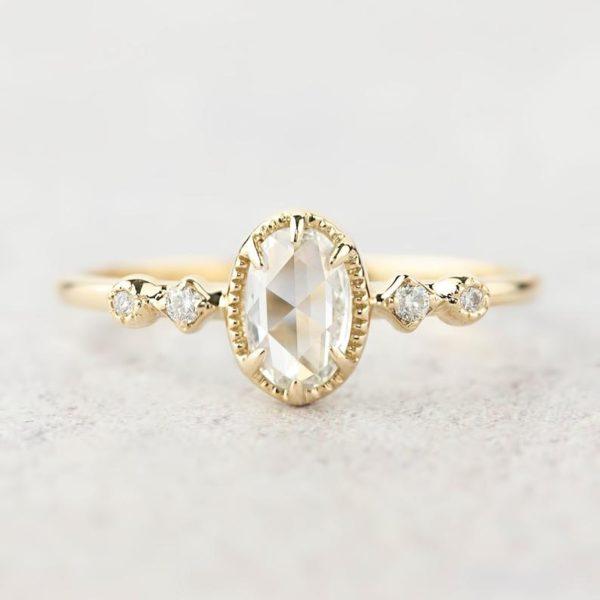 ローズカットダイヤモンドのゴールド婚約指輪