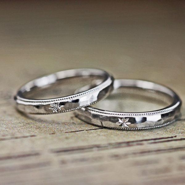 槌目ハンマードとミルグレインの入ったプラチナの結婚指輪