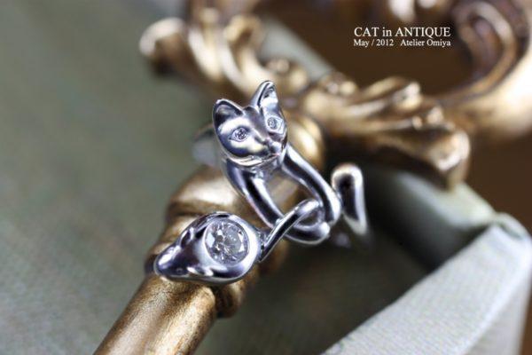 ネコの瞳にダイヤモンドを埋め込んだ婚約指輪をオーダーメイド