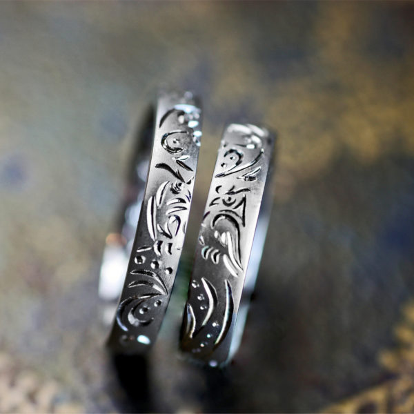 フクロウのトライバル柄を結婚指輪に一周デザインしたオーダーリング