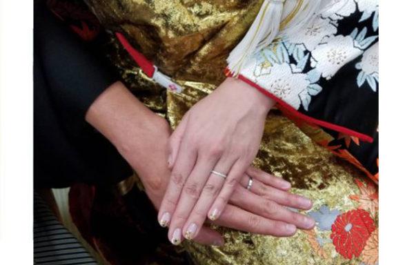 オーダーした結婚指輪をして赤坂の日枝神社で結婚式を行いました。