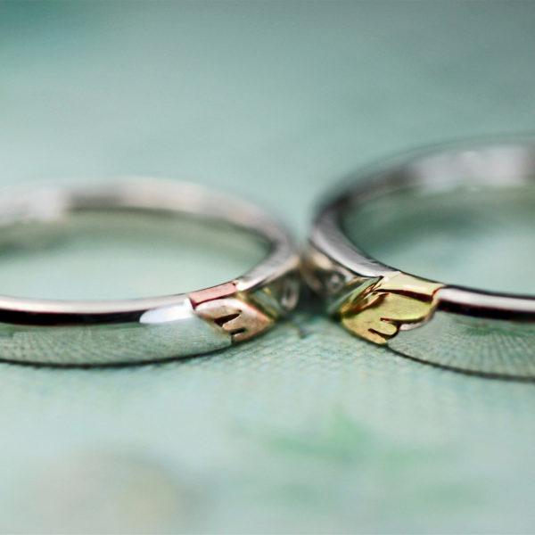 ピンク&イエローゴールドの羽を広げた天使のオーダーメイド結婚指輪