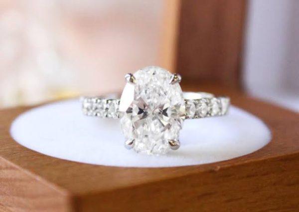 人工ダイヤを最大手デビアスが販売で人気に