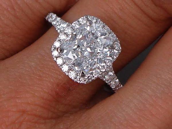 2.人工ダイヤを使って婚約指輪をオーダーメイド