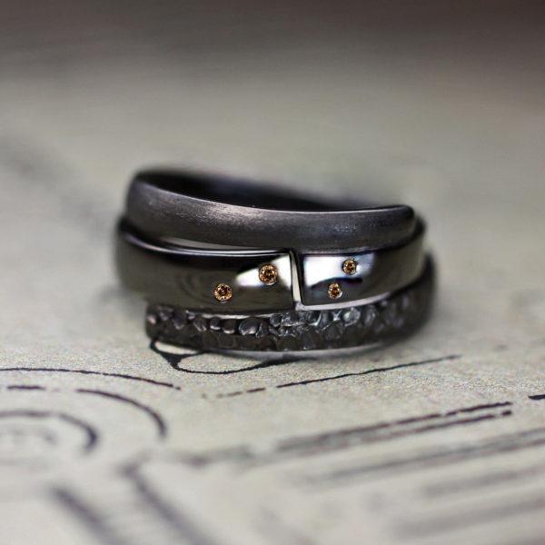 ブラックゴールドとブラウンダイヤで結婚指輪を個性的にオーダーする