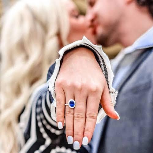 サファイアを使ったフランスの伝統的な婚約指輪