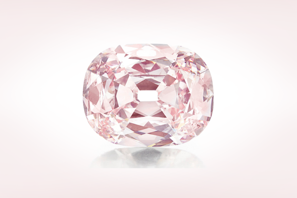 42億円のピンクダイヤをもし婚約指輪にオーダー出来たら