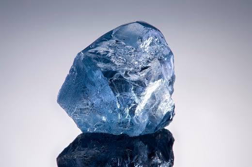 ブルーダイヤモンドの原石