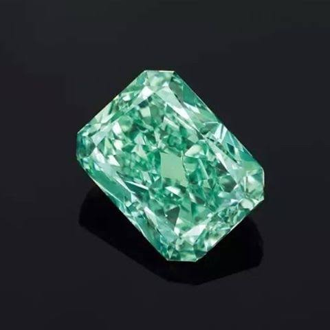 有名なグリーンダイヤモンド オーロラグリーン