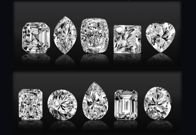 オシャレな婚約指輪をオーダーメイドする為のダイヤモンドの形9選
