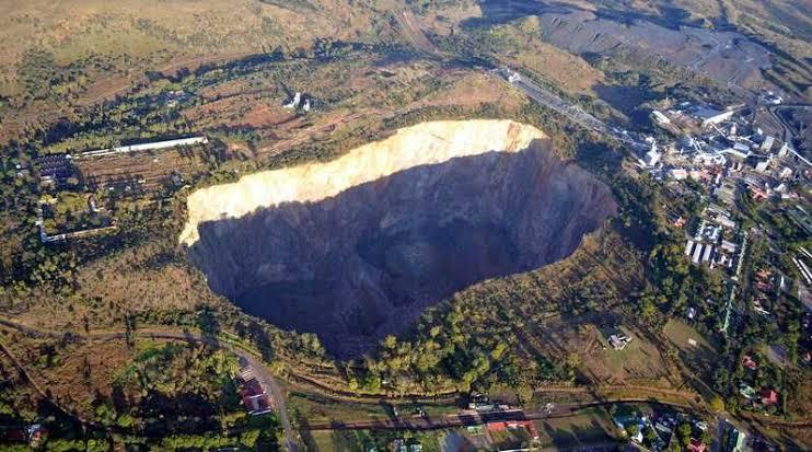 南アフリカのプレトリア 近くのカリナン鉱山、