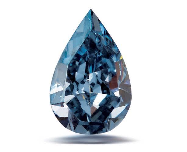 ブルーダイヤモンドはどのように形成されますか?