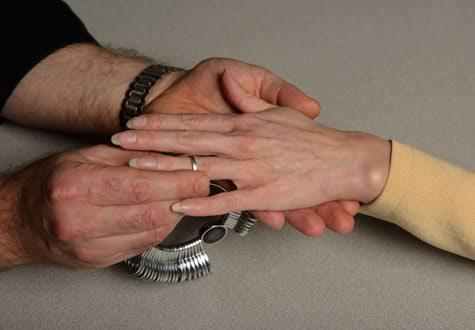 つけ心地の良い結婚指輪はオーダーして作ってもらう