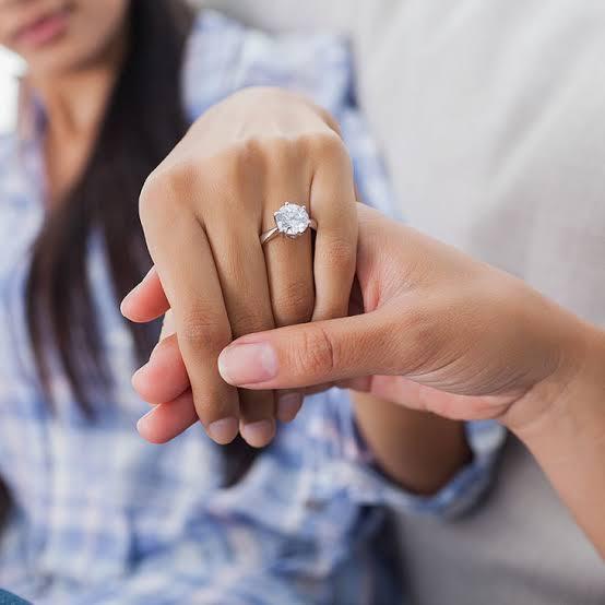 ダイヤの婚約指輪は日本の経済状況を映す鏡!その3つの理由