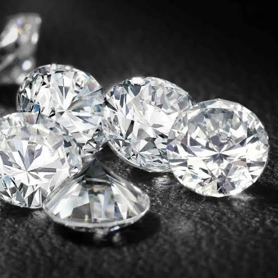 お金持ちの国にダイヤモンドは集まる