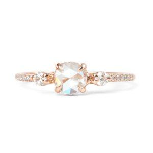 花嫁が好むオシャレで普段使いの婚約指輪オーダー作品12選!その2