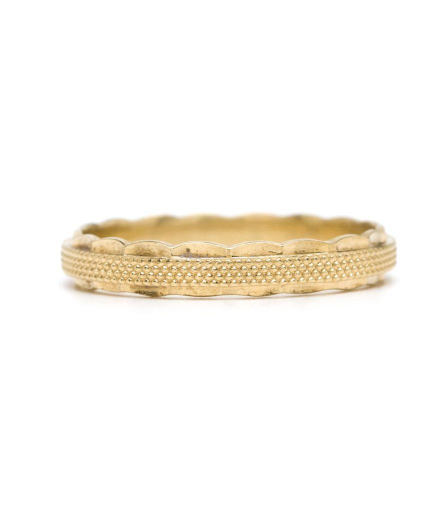 ゴールドのデザイン結婚指輪