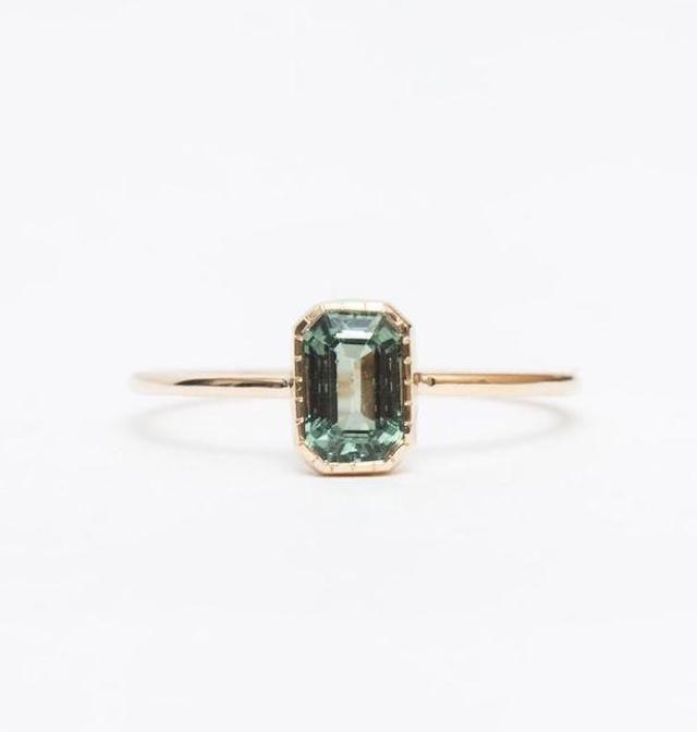 NO 3・グリーンサファイアの婚約指輪