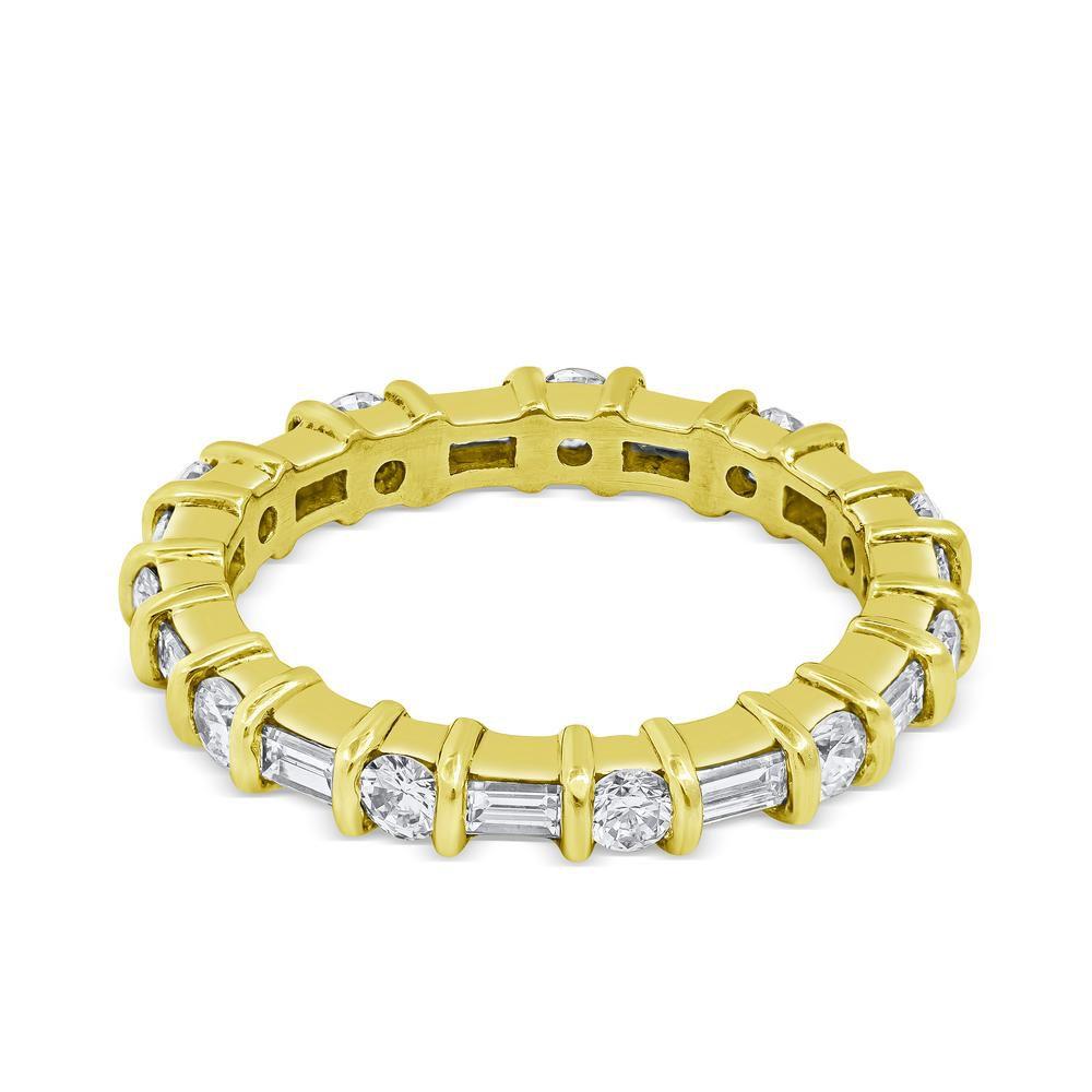 ローママラコフ・ラウンドとバゲットが交互に留まるダイヤエタニティ結婚指輪
